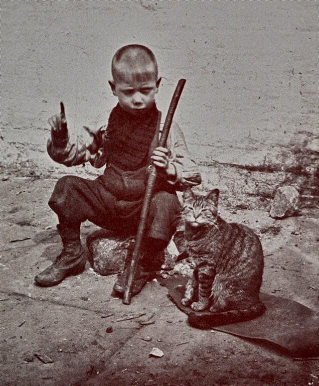 London Street Children, 1900s (7).jpg
