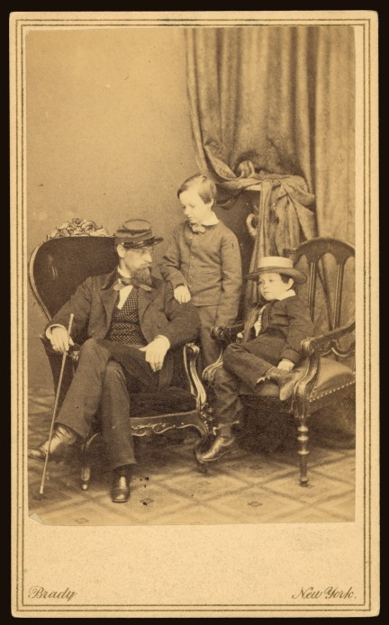 (Willie_and_Tad_Lincoln,_sons_of_President_Abraham_Lincoln,_with_their_cousin_Lockwood_Todd)_(LOC)_(3253741134)